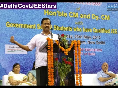 Arvind Kejriwal interacting  with 327 Delhi Govt Students who qualified IIT JEE Mains
