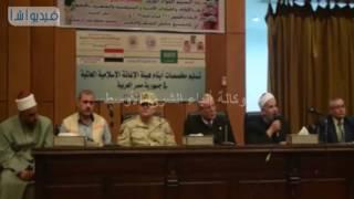 بالفيديو : محافظ المنيا يسلم مساعدات مالية لـ470 طفلا مقدمة من هيئة الإغاثة الإسلامية للأيتام