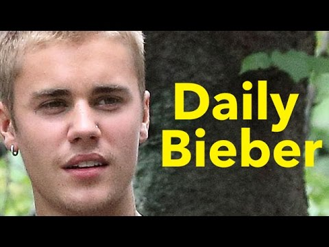 Justin Bieber Rejects Fan Photo, Gets Booed - VIDEO