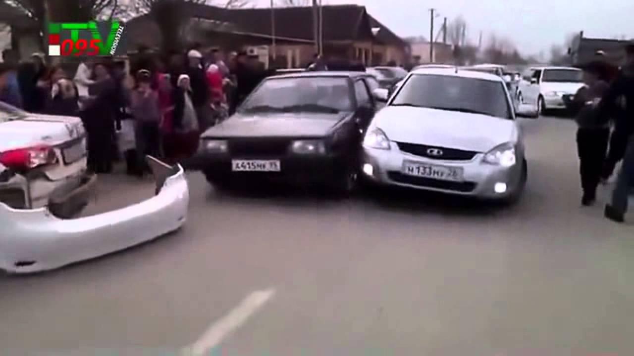 Лудите чеченци щеше да се избият по време на сватба! Гледайте какво става!