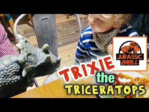 KID MEETS DINOSAUR!!!! eating with dinosaurs at JURASSIC GRILL