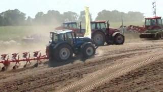 Pokazy polowe maszyn rolniczych - Agro-Tech Minikowo 2010 - www.maszynydlafarmera.pl