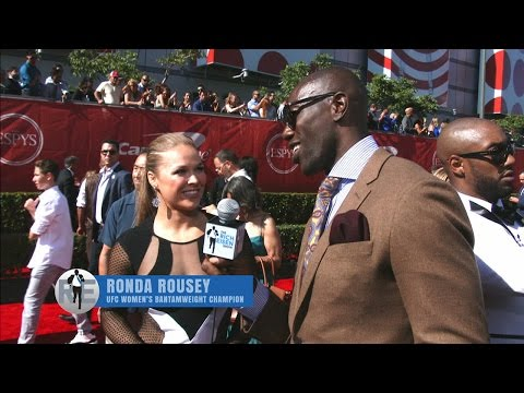 Terrell Owens Interviews Athletes on The ESPYS Red Carpet