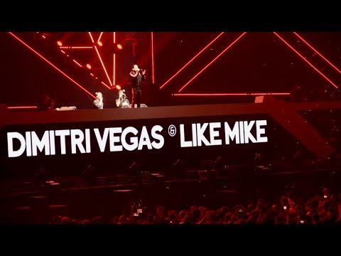 Dimitri Vegas & Like Mike Controlling the Crowd @ WCD 2018