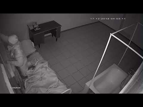 Видео с камеры наблюдения в палате психиатрической больницы