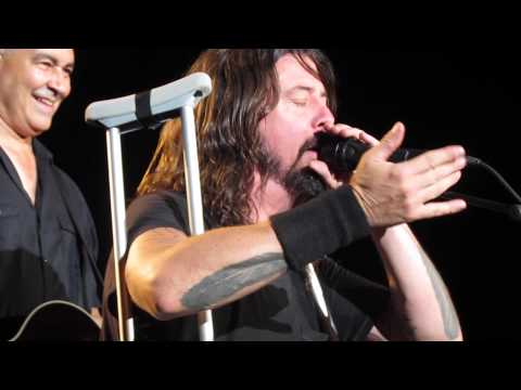 Dave Grohl sees a man crying in the audience and proceeds to be awesome to him