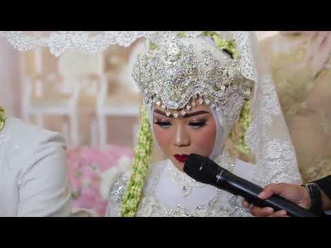 Prosesi akad nikah dengan pakaian adat sunda