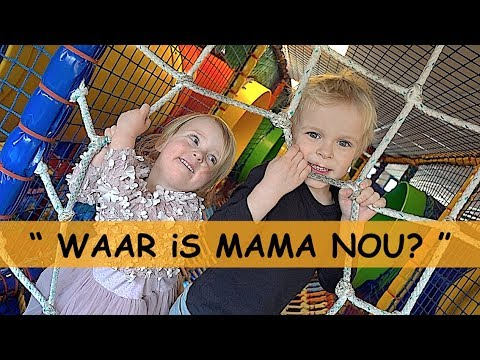 VERSTOPT iN iNDOOR SPEELTUIN 🙈👦🙈👧 | Bellinga Familie Vlog #927
