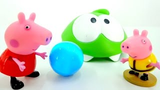 Свинка Пеппа и Джордж играют в футбол. Мультик с игрушками.