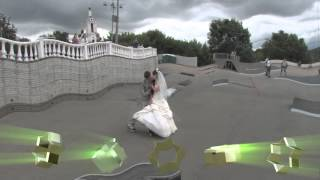 Жених и невеста на роликах