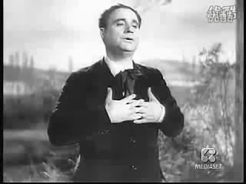 Beniamino Gigli sings Lamento di Federico from Cilea