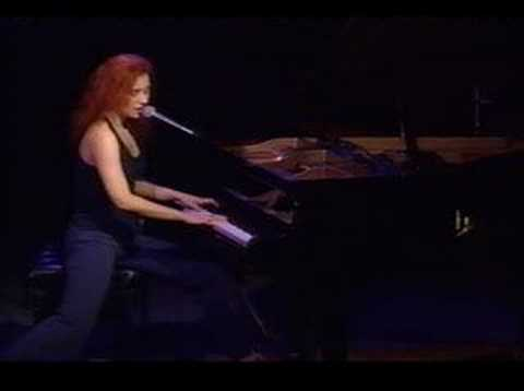 Tori Amos - here in my head - live