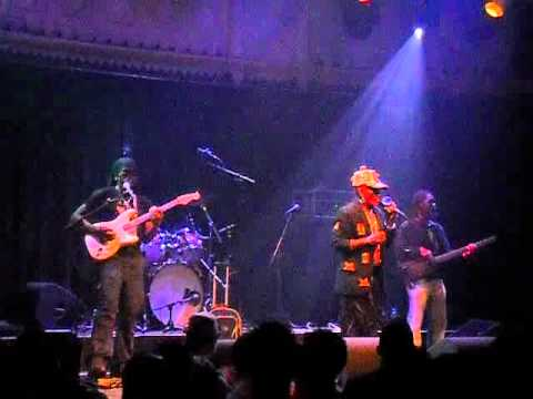 Lee Scratch Perry feat. Mad Professor & The Robotics-Live @ Paradiso Amsterdam(NL)-15.02.2012-PT2.