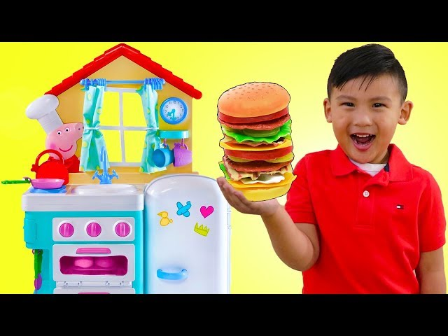 Liam Pretend Play w/ PEPPA PIG Kitchen Cooking Kid Toys & Giant ELMO