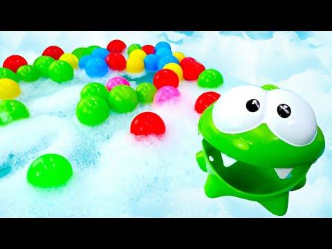 Мультики для самых маленьких— АмНям ибассейн спенойи шариками — Развивающие игрушки для малышей