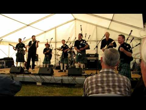 Highlander Celtic Rock Band Australia - It's a Long Way to the Top