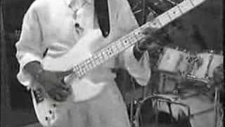 SLAP BASSE LARRY GRAHAM