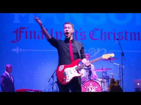 Hanson - happy Christmas (finally it's Christmas tour 2017) Manchester