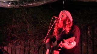 ביני לנדאו בהופעה חי live על הבמה ממעל ממש תל אביב