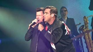 Robbie Williams Rick Astley Never gonna give you up Manchester Etihad Stadium, 3-6-2017.mp3