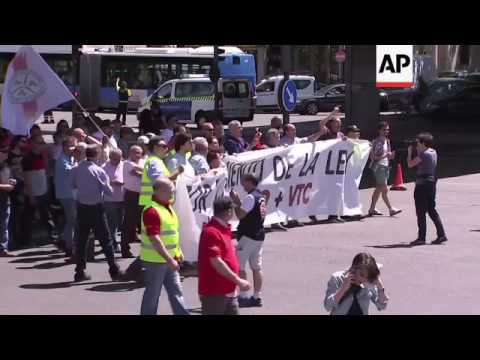 Spain taxi drivers protest against Uber