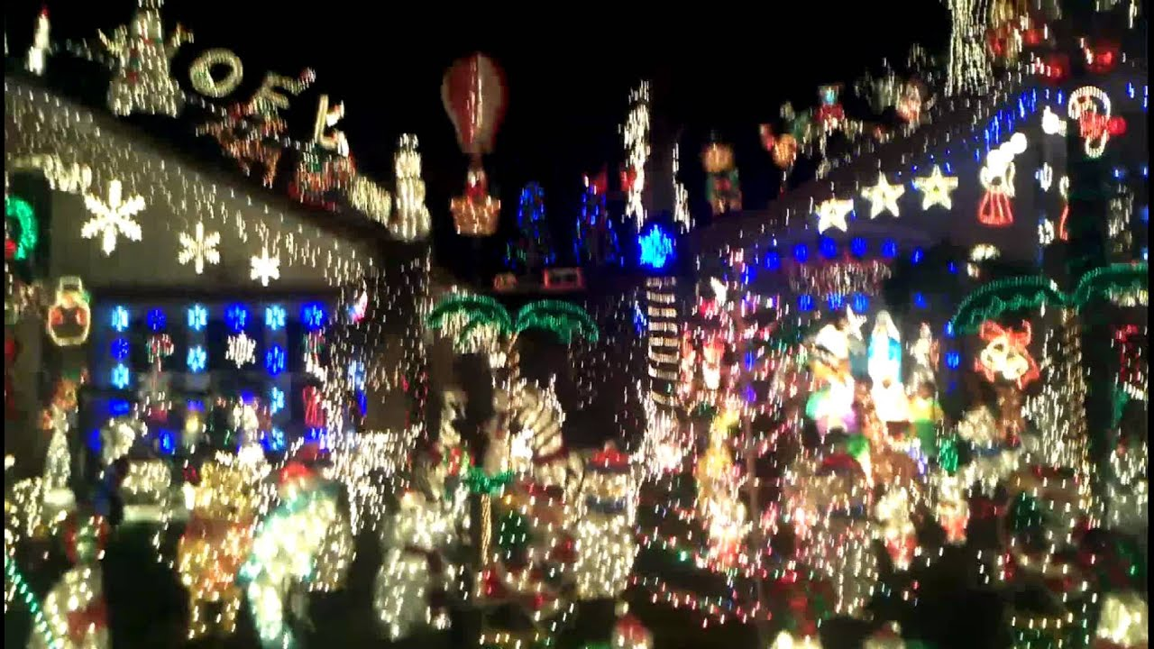 Christmas lights in Moreno Valley, CA - YouTube