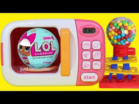 Learn colors with toy microwave & gumball machine suprise eggs LOL doll Barbie Minnie Mouse