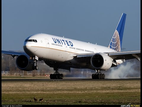 United airlines Boeing 777-200 full flight EWR-CDG