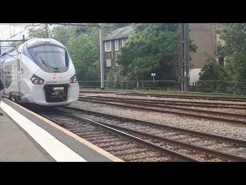 TRAINS TER ET TGV EN GARE DE POITIERS - POITIERS STATION WITH TER & TGV TRAINS FRANCE SNCF
