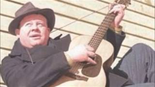 Burl Ives - The original recording of Ghost Riders In The Sky