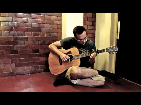 FILIP OSCAR - Everything Shines (live in the hallway)