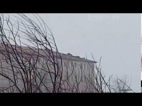 Vântul smulge bucăți de acoperiș Eforie