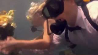 Необычная свадьба под водой