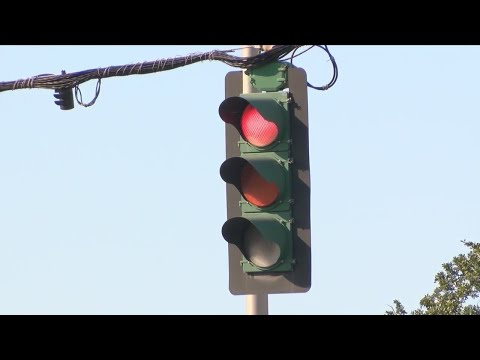 Metro Council pumps the brakes on red light cameras in Baton Rouge