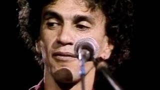 Caetano Veloso Canta Amalia Rodrigues - Estranha Forma de Vida