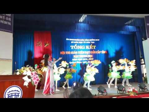 Mẹ yêu con - Thanh Mười và tốp múa tại Hội thi GV Dạy giỏi bậc Trung học tỉnh Quảng Nam