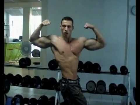 Body like a sculpture,pec bounce,chiseled biceps...outstanding!