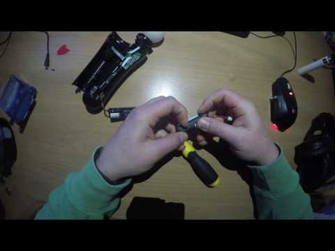Replacing batteries in Playstation Move controller
