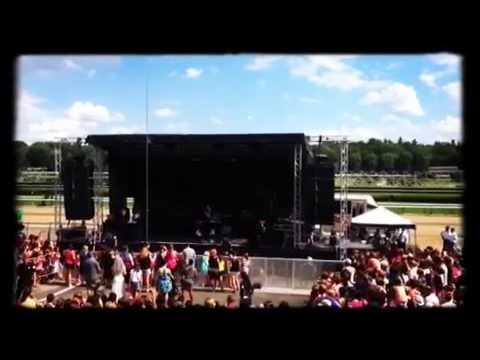 """Zendaya """"Smile"""" (Live Performance)"""