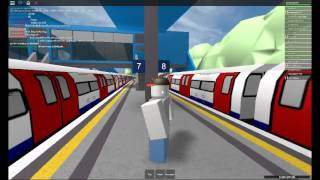 Roblox Railfanning Episode 1: London Underground (deep-level) at Wellesley Station