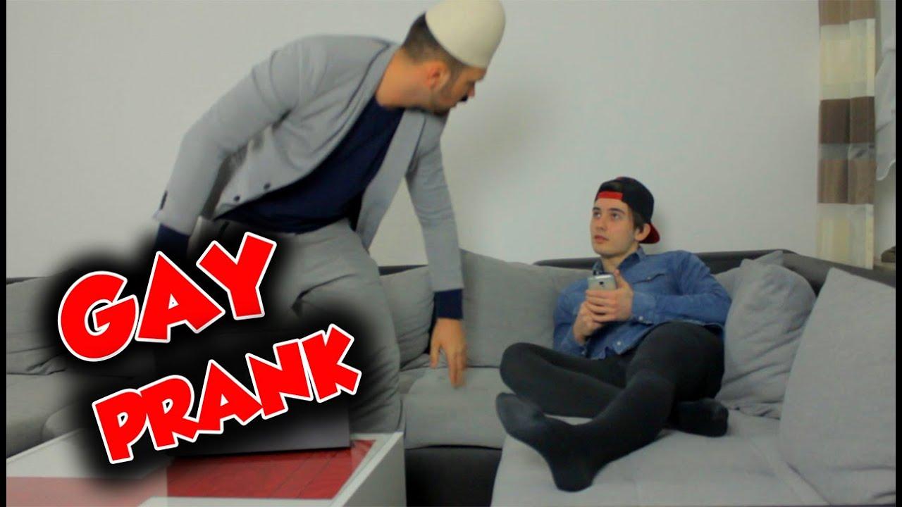 GAY PRANK ! | Mert Matan Parodie - YouTube