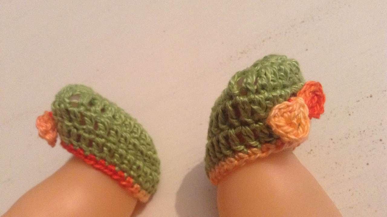 Two ways to crochet doll feet | Crochet doll tutorial, Doll shoe ... | 720x1280