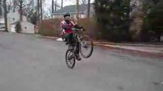 Baixar wheelie Isaac Levy