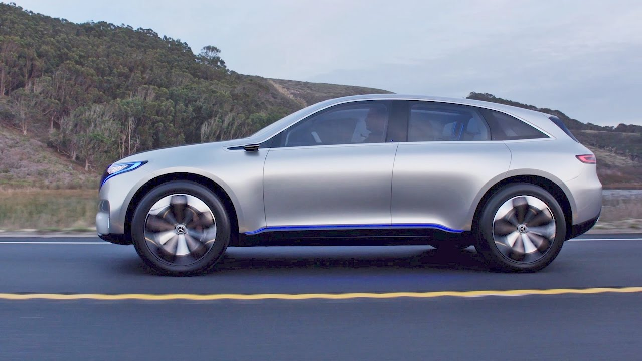 The Future Mercedes-Benz SUV on the Road - YouTube