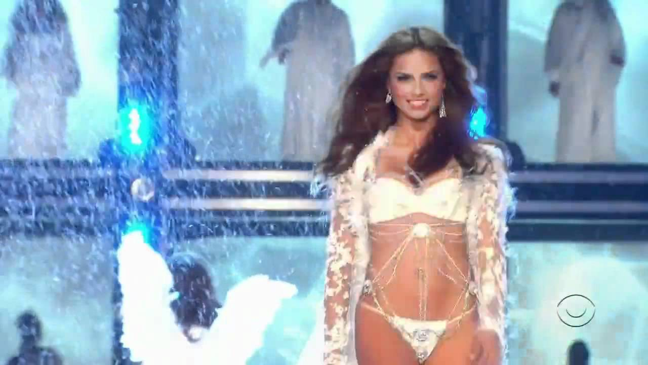 5b6a6ff646 Adriana Lima - Victorias Secret Runway - YouTube