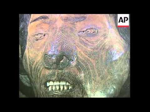 USA: NEW YORK: NEW ZEALAND MAORI GOES ON HEAD HUNTING EXPEDITION