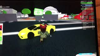 I JUST GLITCHED ROBLOXIAN LIFE AND COULD DRIVE LAMBORGHINI HURACAN!!! /ROBLOX