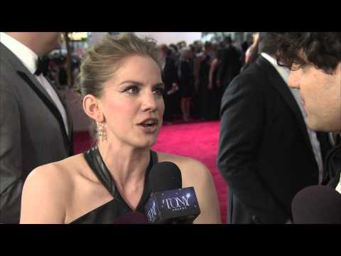 Red Carpet: Anna Chlumsky (2015)