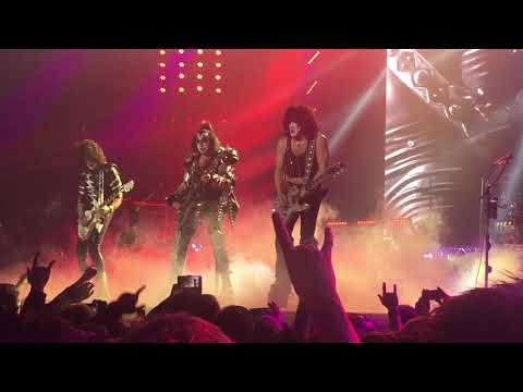 Kiss - Black Diamond - Rock'n Roll All Night - Live