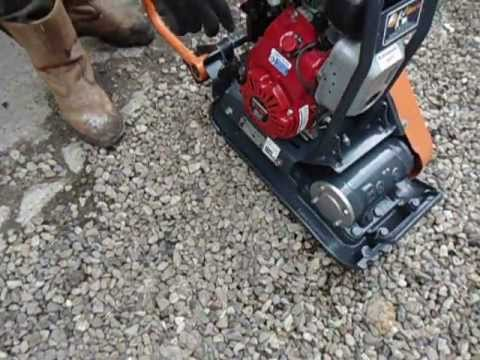 BELLE PCLX 320 PLATE COMPACTOR - YouTube
